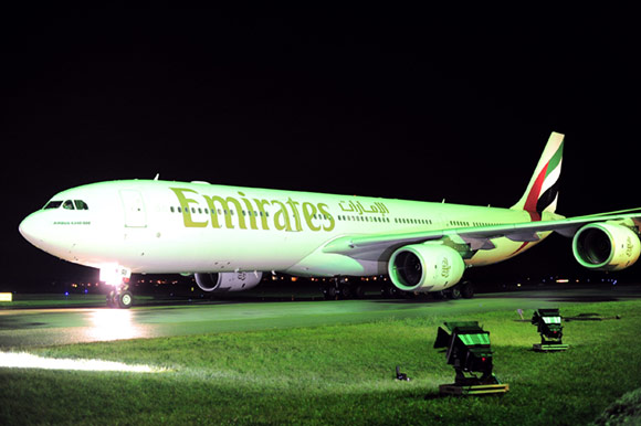 Fly-Emirates-01.jpg