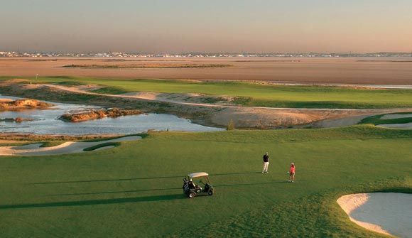 1.golf_the_residence