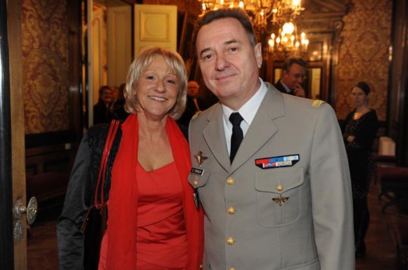 2. Evelyne Curreau et le général Christian Peraldi