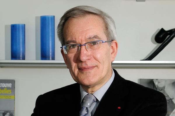 Dominique Deroubaix nommé directeur des HCL