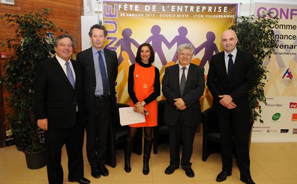 1. François Turcas et les intervenants de la conférence