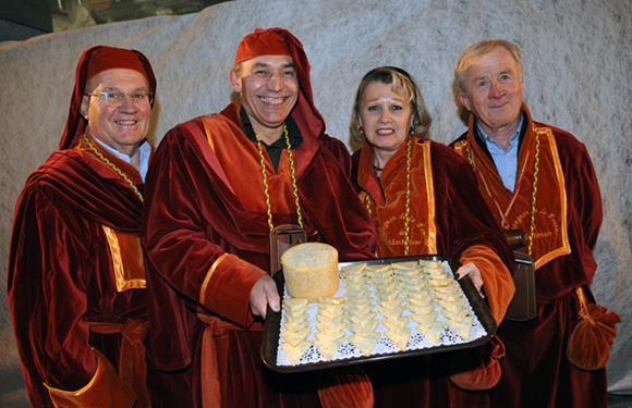 13. Gérard Joanin, son épouse Jocelyne, Alain Chagnard et Jacques Rizand, compagnons de la Fourme de Montbrisson