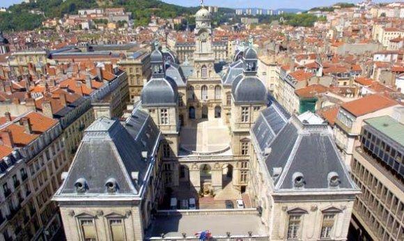 Les entrepreneurs mécontents manifestent à Lyon