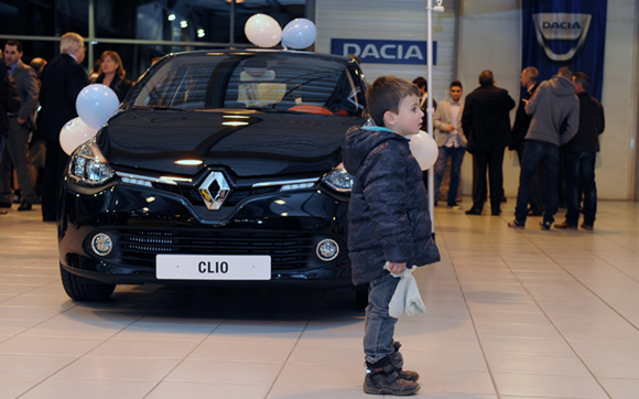 38. Quand je serai grand, je roulerai en Clio…