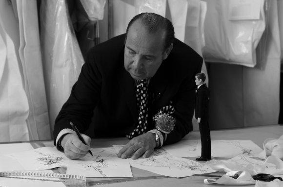 Le couturier lyonnais Max Chaoul prend une nouvelle dimension