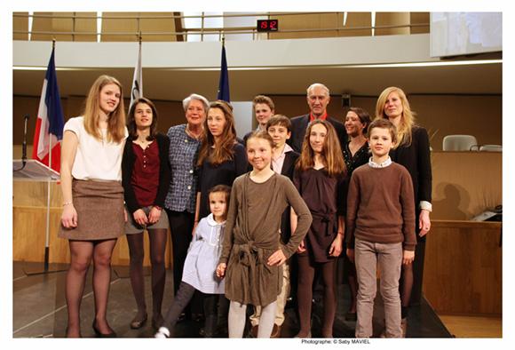 28. Bruno Lacroix entouré de sa famille
