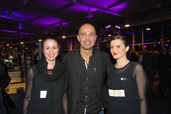 38. Didier Dantzikian (Le Charles) et les jolies hôtesses de l'agence Shine