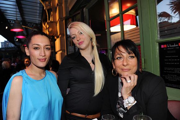 14. Fiona, Tania et Martine (Bar le Velours)