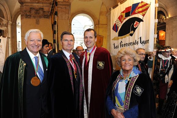 16. Marc Fraysse (Cofely GDF Suez), Christian Gelpi, président des Pennons de Lyon, Mark Andrew Schapiro, consul des Etats-Unis et Joy Corsin