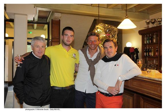 18. Hervé Masson (Ministère du redressement productif), Carmi, Dominique Pene (Golf Tour de Salvagny) et Hervé Arnal (Darty)