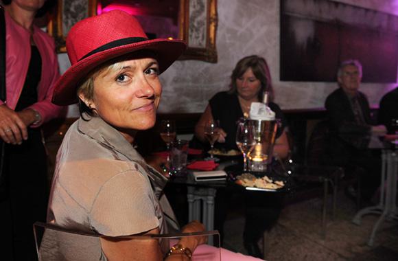28. Rosette et son beau chapeau rose