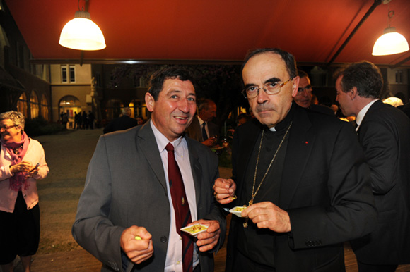 35. Yves Lizere et le cardinal Philippe Barbarin