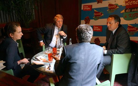 Thierry Braillard et Michel Lopez. Secrets de vacances à KGB