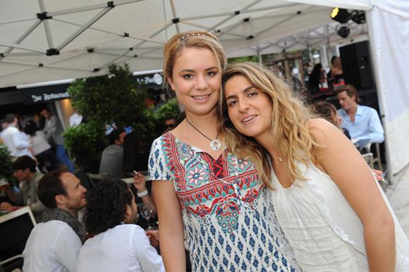 15. Victoria et Laura