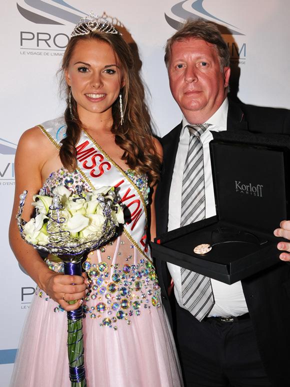 16. Un bijou Korloff pour Miss Lyon 2013