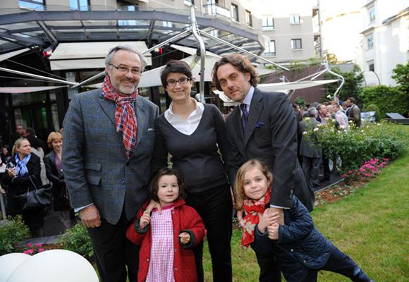 25. Erick Roux de Bézieux, Elodie Humeau et Benoit de Vallicourt. Camille et Ambroise