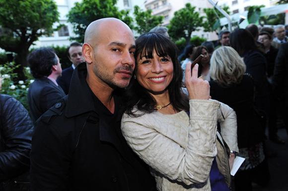 43. Le photographe Saby Maviel et Joëlle