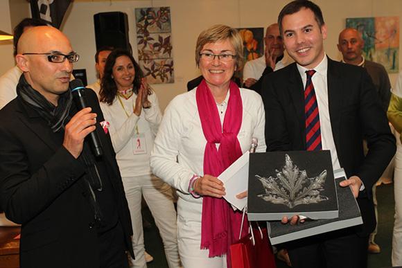 17. Le Trophée remis à la 1ère Brut, Dominque Saimfort, par la Maison Lalique et Jean Borges, directeur du Printemps Lyon