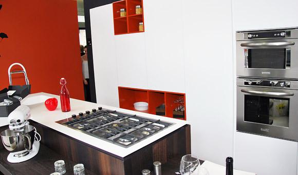 inauguration de show home concept. Black Bedroom Furniture Sets. Home Design Ideas