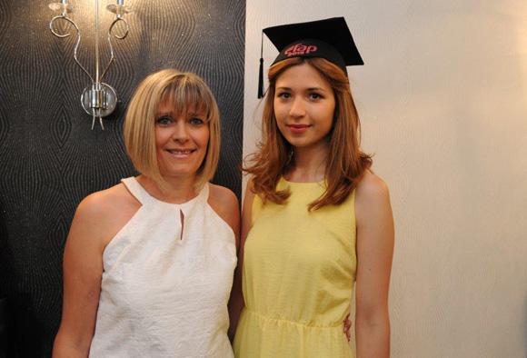 20. Sylvie Rochard et sa fille Marine Entressangle