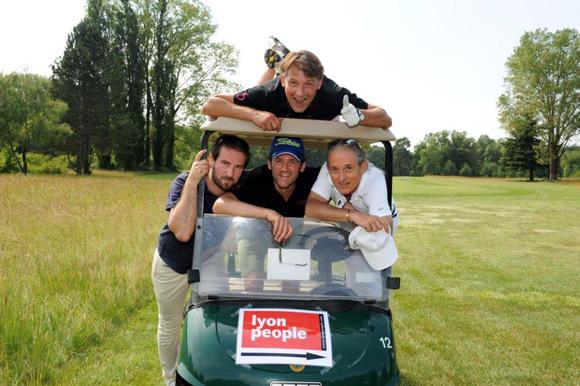 25. David Degrange, Geoffroy Valery, Pascal Auclair. Sur le toit, Olivier Lardin