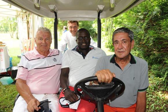 27. Alain Gidon, Laye Diop, le chef Frédéric Berthod (33 Cité) et Jean-Louis Soriano