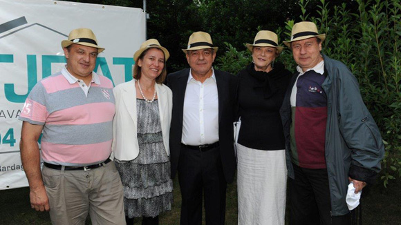 27. Philippe Gaillard (GCC) et son épouse Christine, Michel Jovanovic (TJBAT), Michèle et Christian Sion (Atlas)