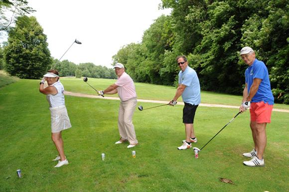 36. Denise Blatrix, son époux Christian, Philippe Jouffre et Alain Carbonel