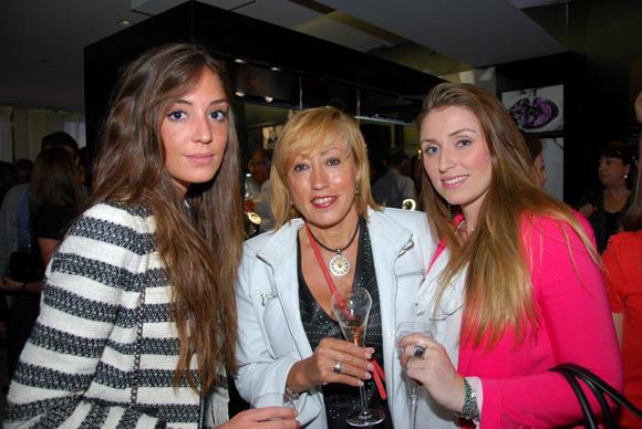 39. Johanna, Emma et Christelle Aguilera