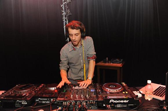 43. DJ Klement Vanukki aux platines du Ninkasi
