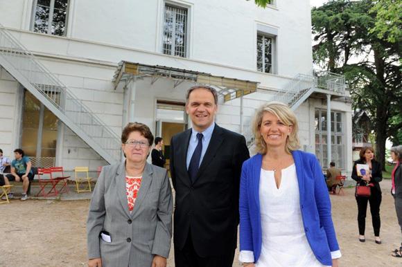 5. Jeanine Paloulian, présidente du Club de la Presse, François-Noël Buffet, sénateur-maire d'Oullins et Clotilde Pouzergue, adjointe au maire d'Oullins