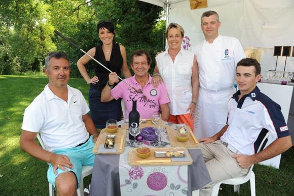 5. Richard Suscillon, Géraldine Carrez, André-Claude Canova, Carole Dufour, le chef Laurent Bouvier et Gary Stal