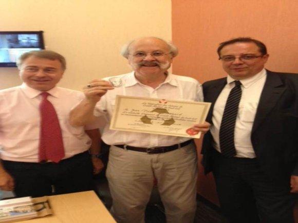 Jean-Pierre Bessard reçoit la médaille d'honneur du Crédit Mutuel