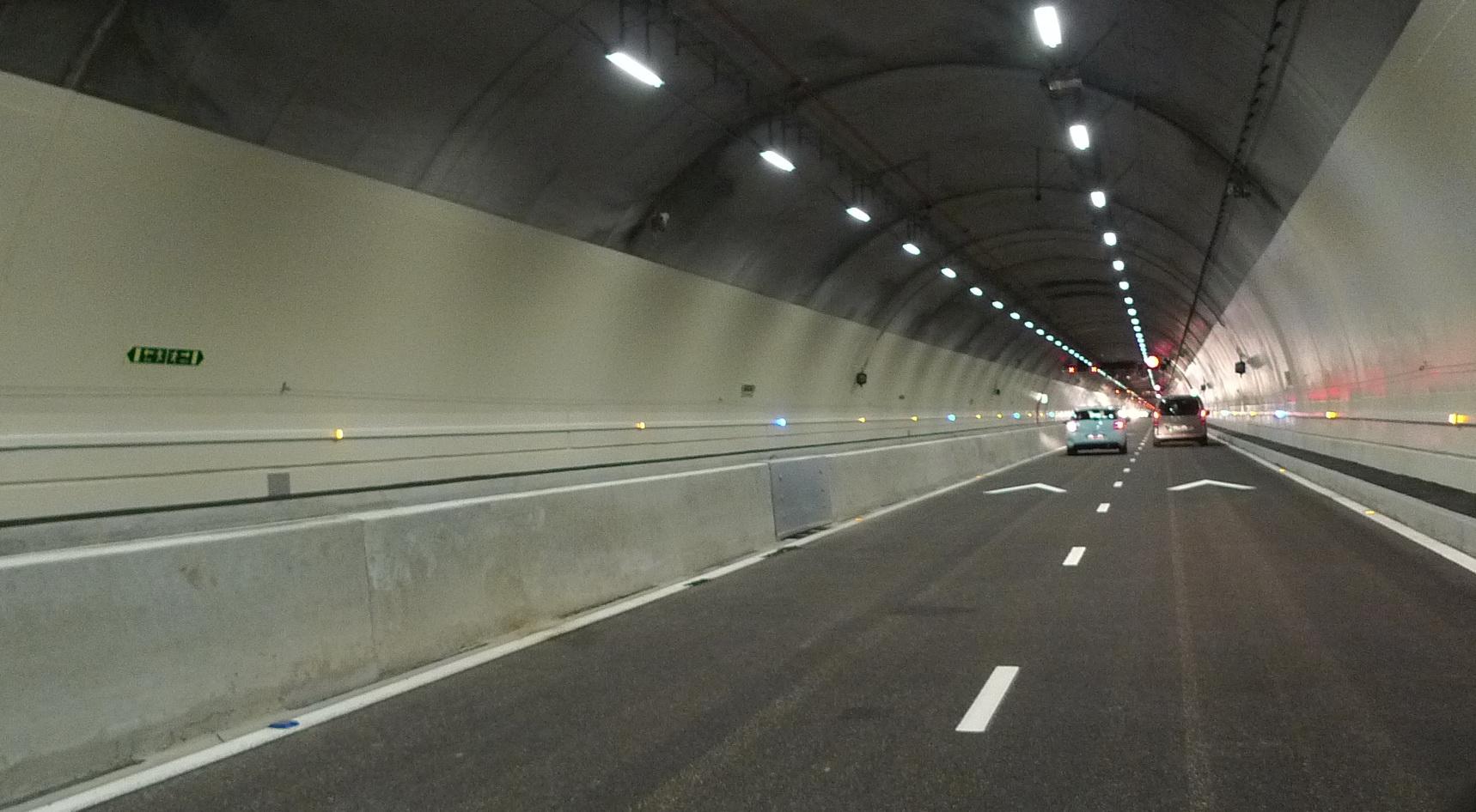 Le tunnel de la Croix-Rousse rouvre aux automobilistes. Ponctuellement.
