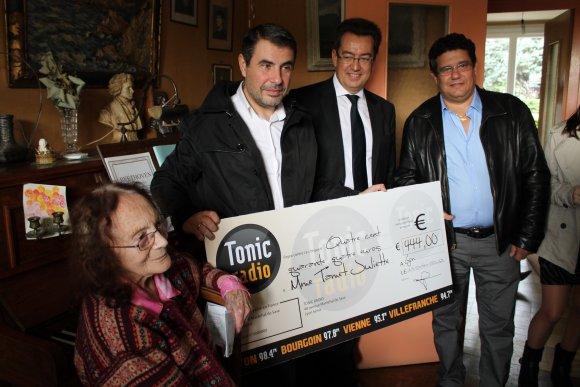 Tonic Radio. Juliette Tamet a reçu son chèque