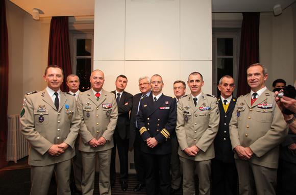 Le colonel Gilles Coulougnon, Officier de l'Ordre National du Mérite