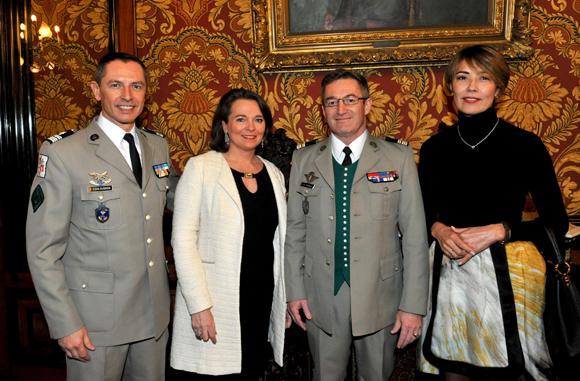 11. Le colonel Gilles Coulognon, le lieutenant-colonel Jean-Christophe Darbon, son épouse Florence (Fondation Ste Irénée) et Saltanat Tashmatova (OIPC Genève)