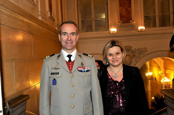 13. Le lieutenant-colonel Jean-Philippe Enderlé et son épouse Corinne
