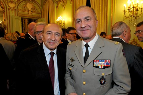 23. Gérard Collomb, sénateur-maire de Lyon et le général Martial de Braquilanges, gouverneur militaire de Lyon