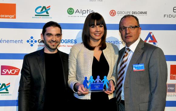 35. Trophée du meilleur espoir remis par Ali Hannas, directeur Idrac Lyon à Crysto Verdie et Coraline Simonutti (Opseene)