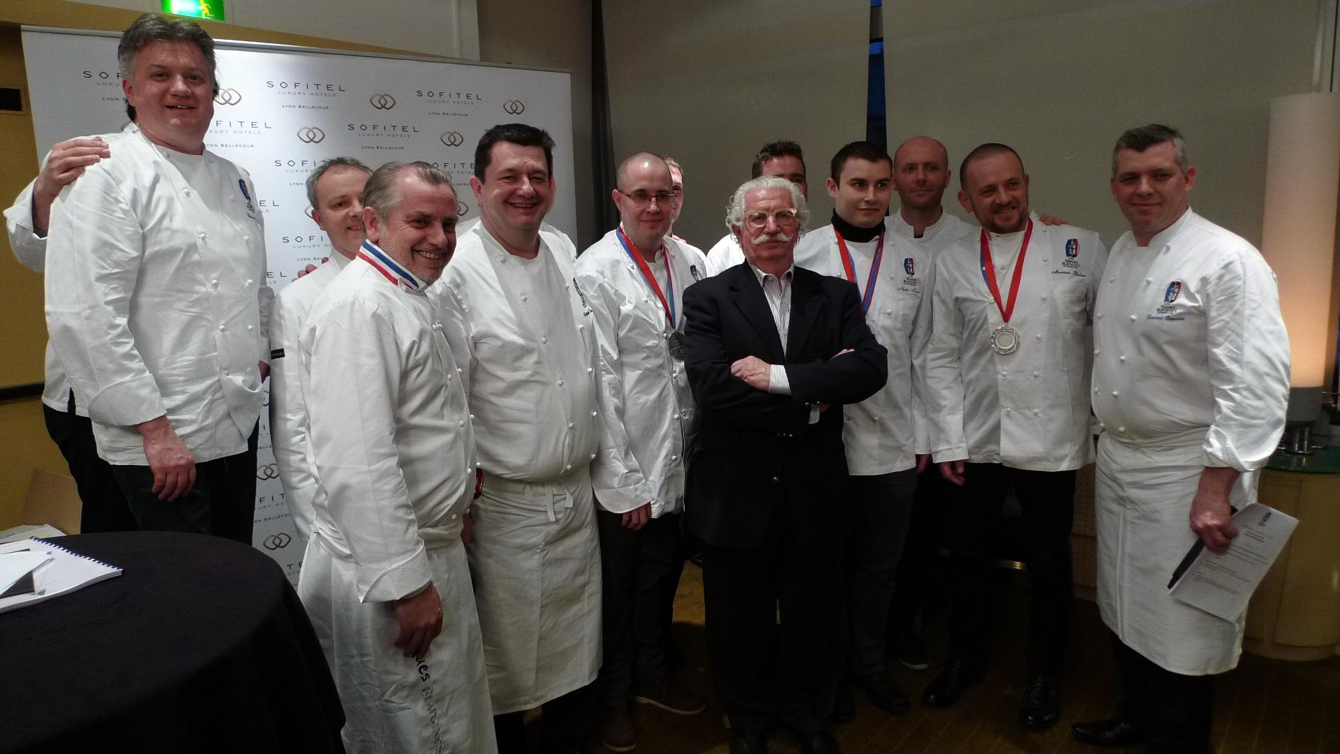 Toques Blanches Lyonnaises. Intronisation de trois nouveaux cuisiniers