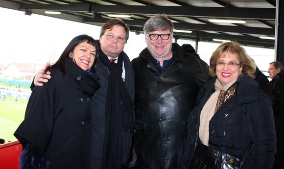 25. Laurence Renaudin, Franck Isaac-Sibille (LOU Rugby), le docteur Jean Renaudin et Evelyne Haguenauer, adjointe à la Mémoire