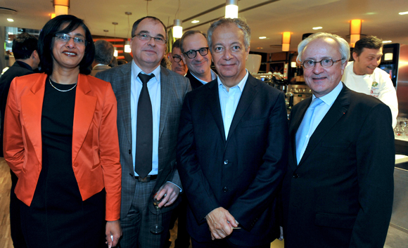 43. Yves Chavent, président du Tribunal de commerce, son épouse Hayette, Philippe Grillot et Bruno Sapin (AJ Partenaires)