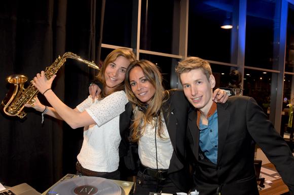 3. Les « Sisters » Patricia, Emilie et le pianiste Bastien Brison