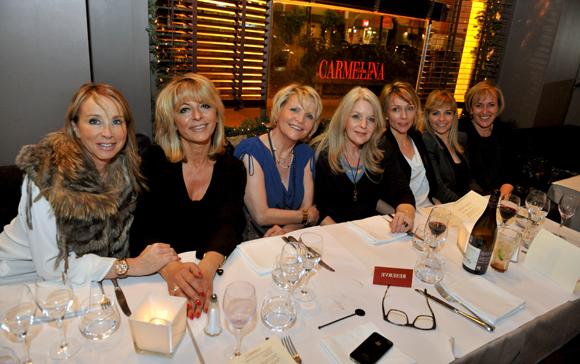 32. La table des filles