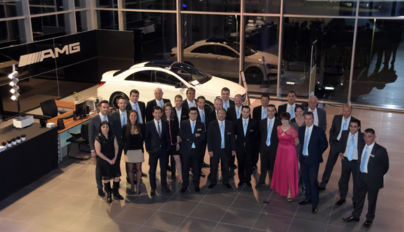 6. Frédéric Bouillé, Directeur Général Mercedes-Benz Lyon, Bernard Trux et l'équipes Mercedes-Benz