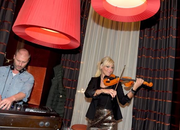 18. Milena de Barquin (Violin Girl)