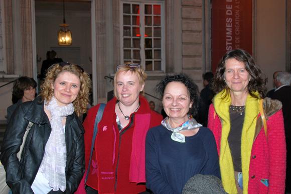 24. Valérie Spery, Sylvie Magniel (service Habillage de l'Opéra) et Marie Di Ruzza et Christine Roche (service Déco-costumes de l'Opéra)