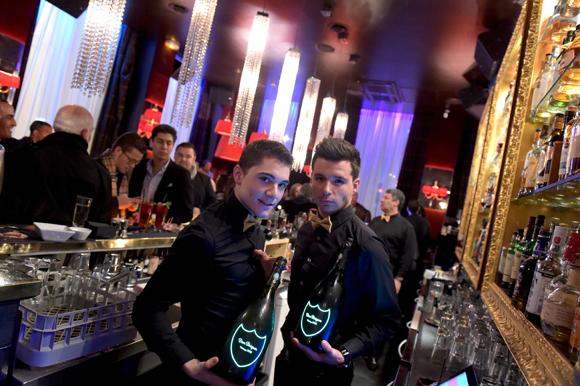 26. Les barmen Valentin et Yoann