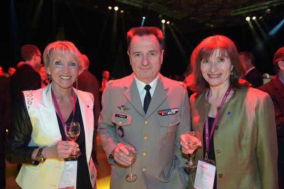 38. Michèle Hingrez, le général Christian Peraldi et Isabelle Gonon (Byblos)
